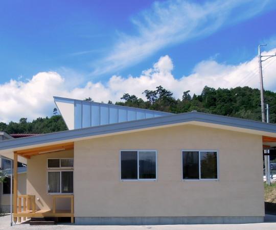 全て地域産木材使用の小学校